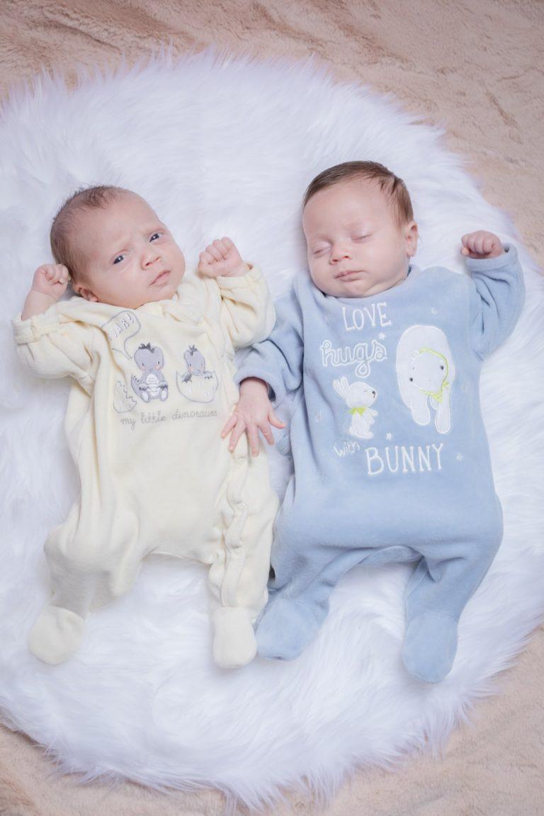 jumelles nouveaux-nés